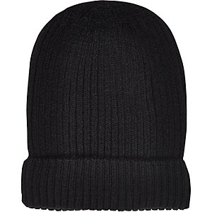 Black ribbed knitted beanie hat