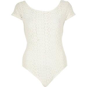 Cream lace scoop neck bodysuit