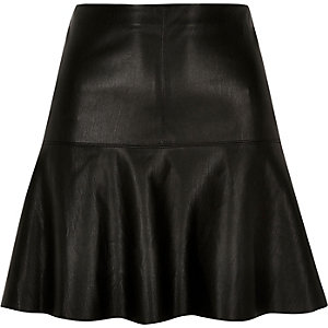 Black leather look flippy skirt