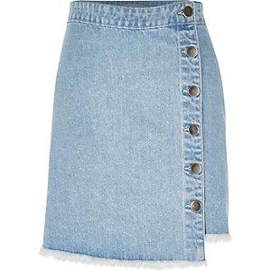 Mid wash denim buttoned mini skirt