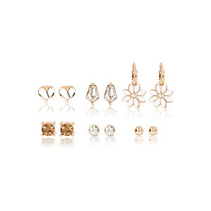 Gold tone daisy earrings multipack