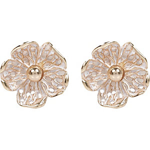 White vintage flower stud earrings
