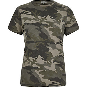 Khaki camo print fitted t-shirt