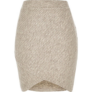 Beige ribbed knitted skirt