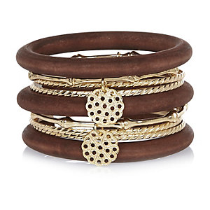 Gold tone wooden bangle pack