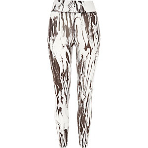 White marble print leggings