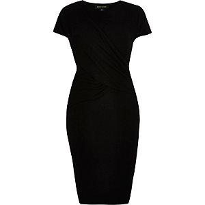 RI Plus black ruched bodycon dress