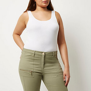 RI Plus white scoop neck tank