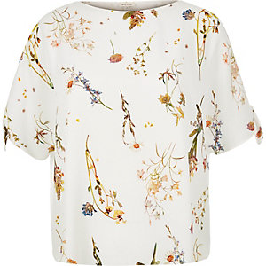 RI Plus white floral split sleeve t-shirt