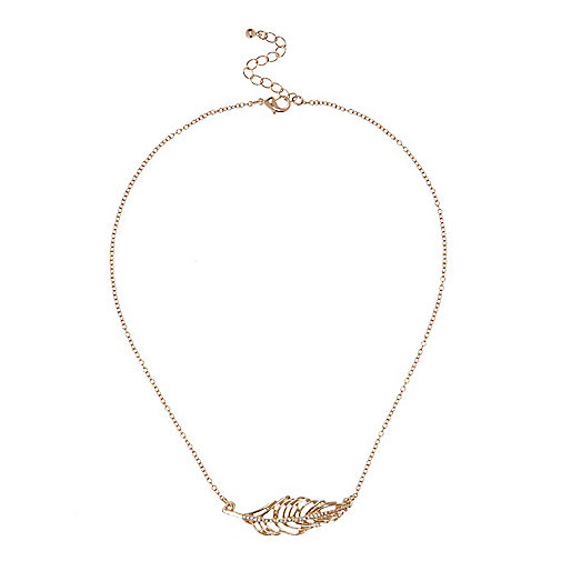 Gold embellished leaf necklace
