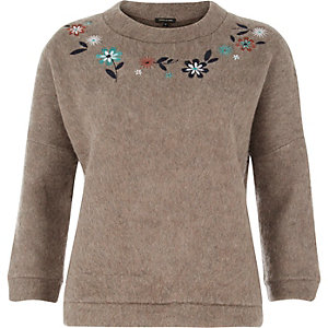 Brown knitted embroidered sweater