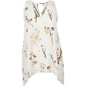 RI Plus floral print hanky hem top