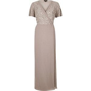 Robe longue lilas ornée style portefeuille