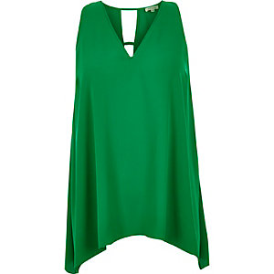 RI Plus green V-neck hanky hem tank