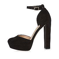 Chaussures en velours noir à talons et semelles plateforme