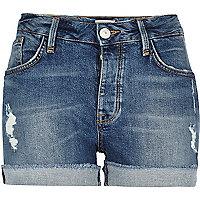 Short en jean délavage bleu moyen style boyfriend