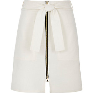 White textured zip-up A-line skirt
