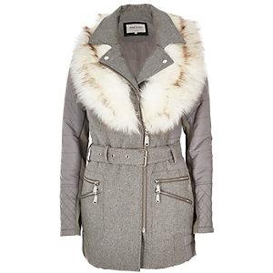 Grauer, wattierter Mantel mit Kunstfellkragen