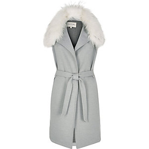 Grey sleeveless fur collar jacket