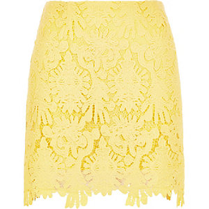 Yellow scalloped hem mini skirt
