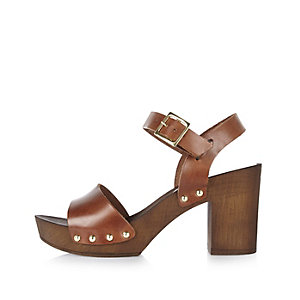 Brown leather strappy clogs