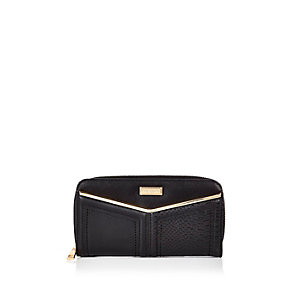 Black V-bar purse