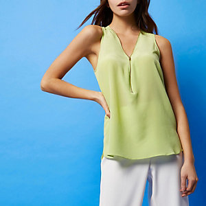 RI Studio lime zip sleeveless blouse