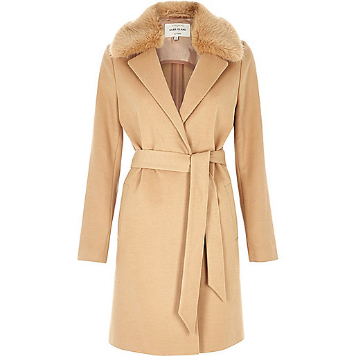 Manteau long fauve avec col en fausse fourrure