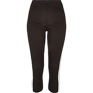 Black side panel capri leggings
