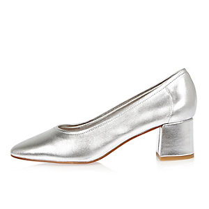 Silver block heel glove shoes