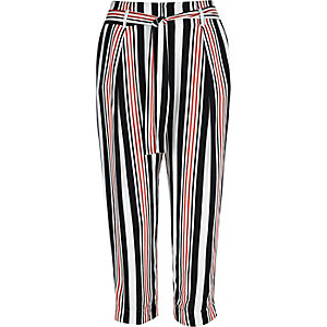 White stripe cropped pants