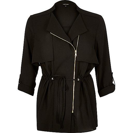 Leichte, schwarze Jacke mit Reißverschluss