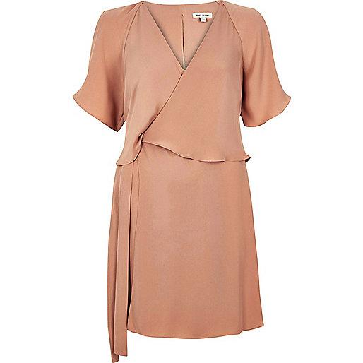 Kleid in Hellrosa im Lagen-Look