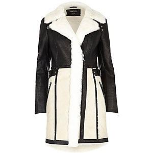 Manteau imitation mouton crème avec empiècement en suédine
