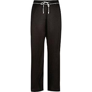 Black geometric print pajama bottoms