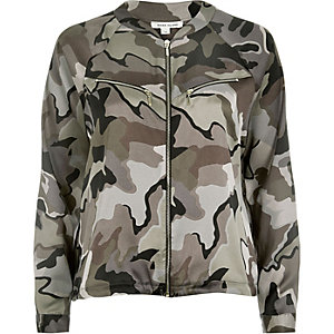 Grey camouflage print shacket