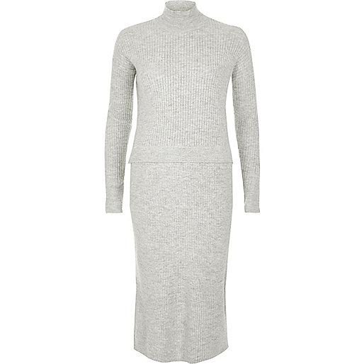 Robe pull en maille côtelée grise