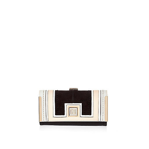 Black color block clip top purse