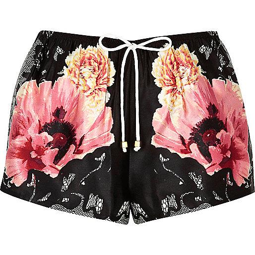 Schwarze, geblümte Pyjama-Shorts