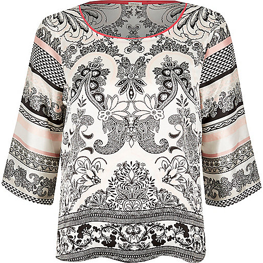 Haut de pyjama en satin blanc imprimé cachemire