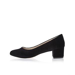 Black velvet ballerina shoes
