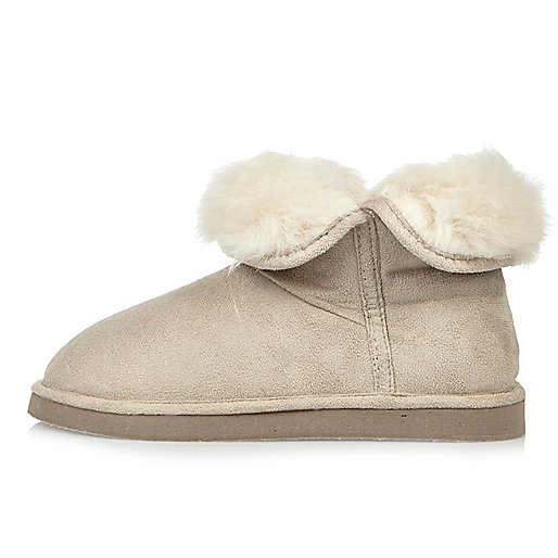 Cream faux fur lined soft slipper boots