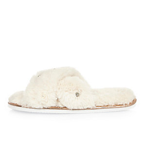 Cream faux fur cross strap slippers