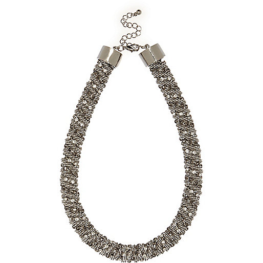 White twist necklace