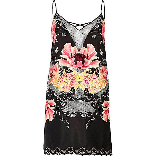 Robe combinaison noire à fleurs avec dentelle