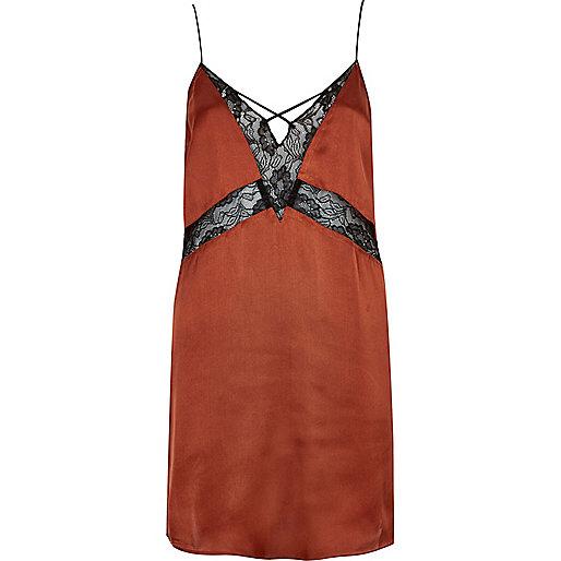 Robe combinaison rouge brique avec dentelle