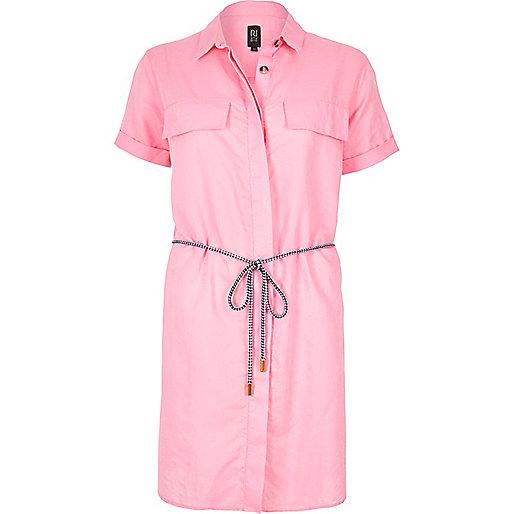 Robe chemise rose en lin