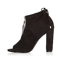 Black block heel shoe boots