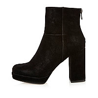 Black nubuck platform boots