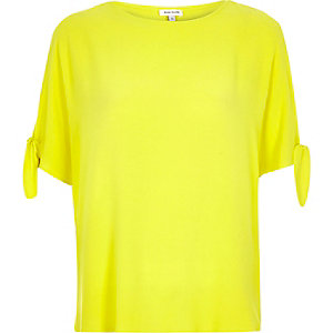 RI Plus yellow split sleeve t-shirt